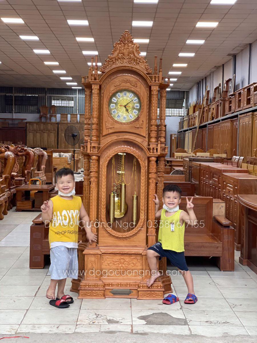 Đồng hồ cây gỗ gõ đỏ mẫu tháp cao 2m3