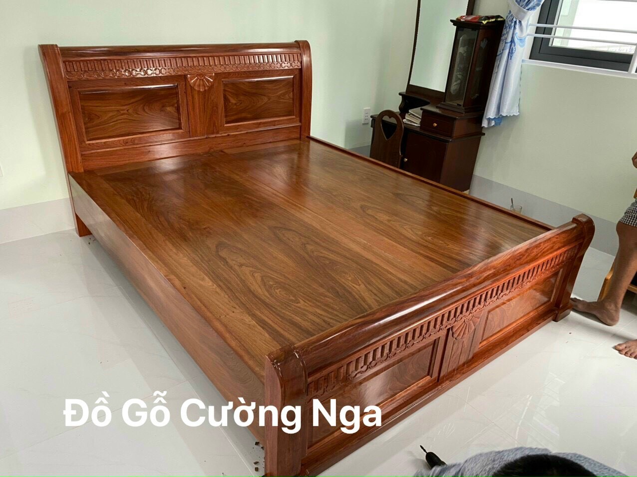 giường gỗ hương đá giá rẻ